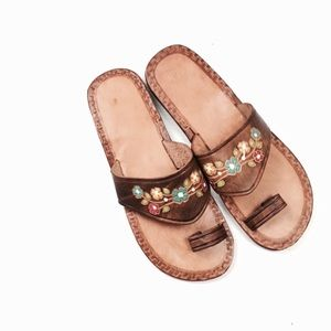🆕Listing! Tooled leather sandals